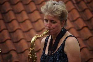 Conny de Bruin op tenor saxofoon