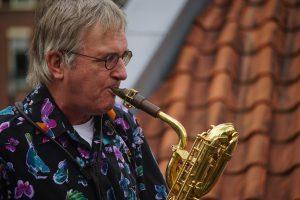 Hans Woutersen op bariton saxofoon